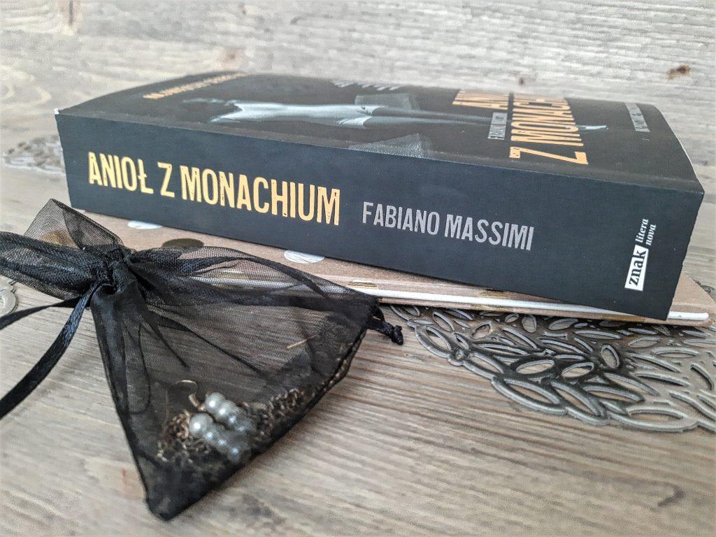 """okładka książki """"Anioł z Monachium"""" Fabiano Massimi"""