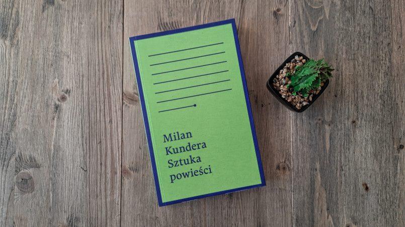 """okładka książki """"Sztuka powieści"""" Milan Kundera"""