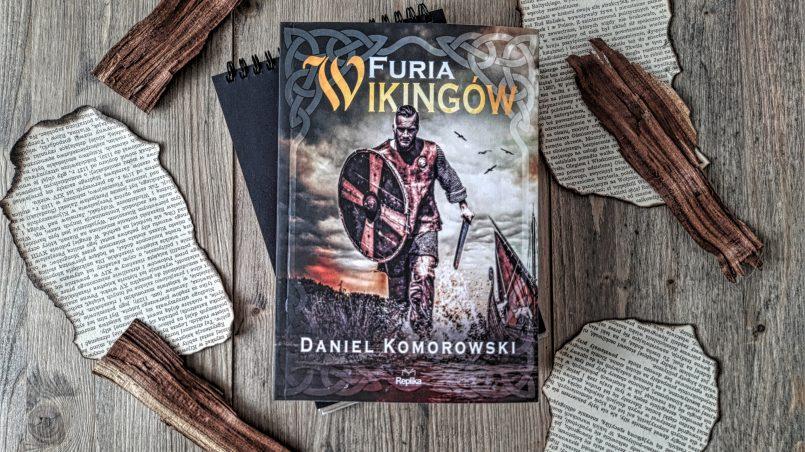 """okładka książki """"Furia Wikingów"""" Daniel Komorowski"""